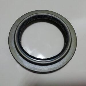 Сальник ступицы задней внутренний Isuzu 8971229370